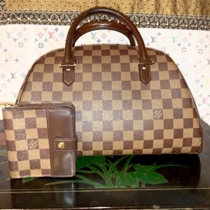 Authenticated Louis Vuitton Damier Ribera MM Set